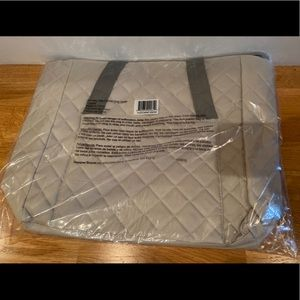NWT Grey quilted dsw gwp nylon zip bag
